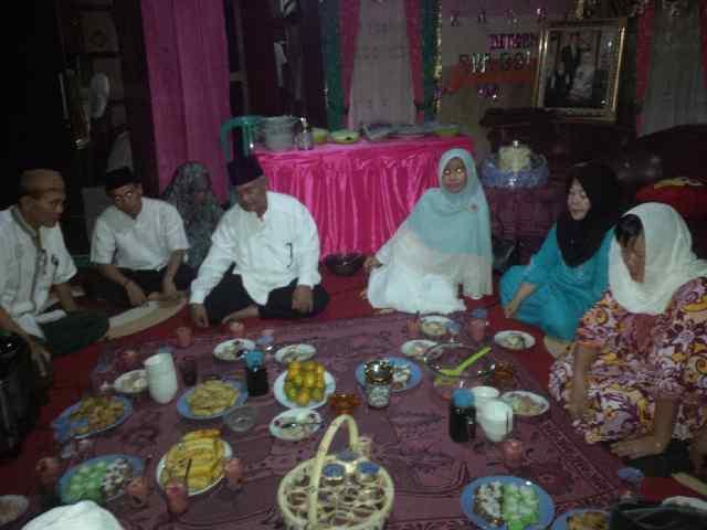 Suasana buka bareng saat safari ramadhan