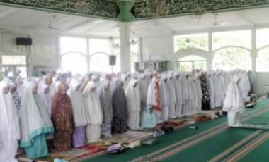 Jalin Silaturahmi, Dharma Wanita Gelar Shalat Tasbih Berjamaah