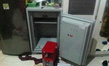 Rampok Bersenpi Kuras Brankas Petani di Gelumbang