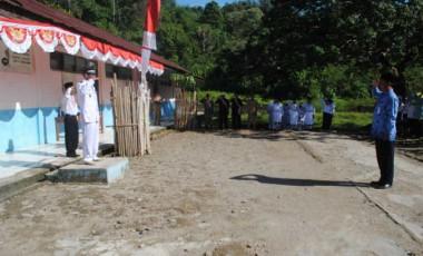Warga Desa Padang Bindu Gelar Upacara HUT RI Ke-71