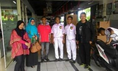 Monitor Siswa PKL Sampai ke Palembang