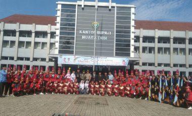 Marching Band SMK Negeri 1 Muara Enim Tampil Memukau di Hardiknas Ke-109