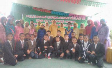 Pelepasan Siswa/ I Kelas VI SD Negeri 12 Lawang Kidul Berlangsung Meriah