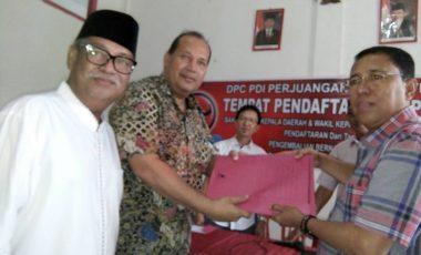 Tunjukan Keseriusan Ingin Pimpin Muara Enim, Syamsul Bahri Kembalikan Formulir Penjaringan ke PDI-P