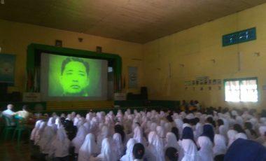 Siswa-Siswi SMA BA Antusias Nobar Film G30 S PKI