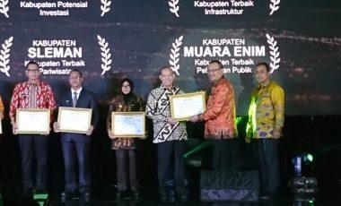 Pemkab Muara Enim Kembali Raih Penghargaan Pelayanan Publik Terbaik