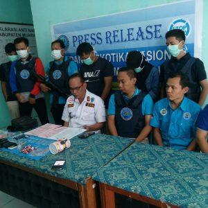 BNNK Muara Enim Ringkus Pecatan TNI dan Honorer Pengedar Narkoba