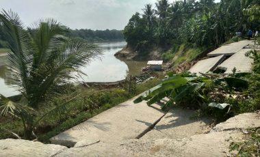 Jalan Amblas, Lima Desa di Kecamatan Sungai Rotan Terancam Terisolir