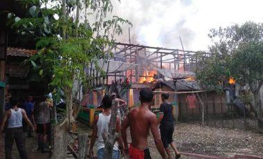 Diduga Konsleting Listrik, Tiga Rumah di Desa Muara Gula Lama Ludes Terbakar