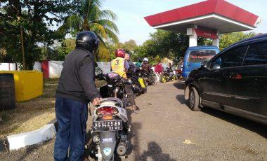 BBM Langka, SPBU di Kota Muara Enim Diserbu Pengendara