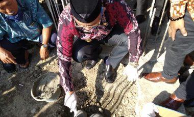 Plt Bupati Muara Enim Letakan Batu Pertama Rehab Masjid Baitul Muttaqin Desa Tanjung Raja