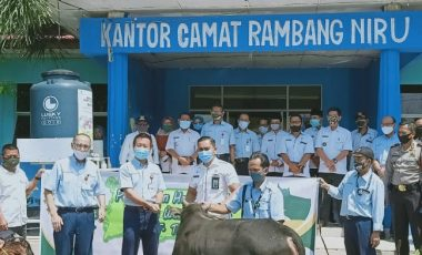 Jelang Idul Adha 1441 H, PT TeL PP Salurkan Hewan Kurban di Tiga Kecamatan