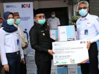 PT KAI Divre III Palembang Salurkan Ribuan Masker ke Pemkab Muara Enim