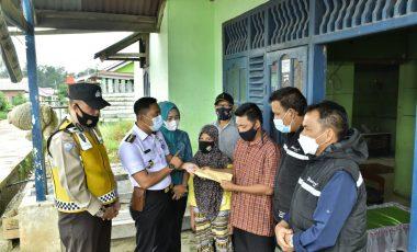 Peduli Sesama, PTBA Tbk Bantu Balita Gizi Buruk di Tanjung Enim
