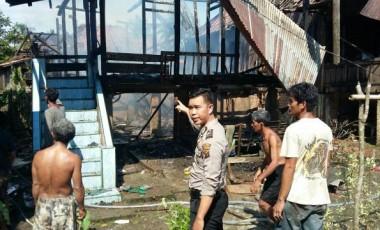 Diduga Konsleting Listrik, Rumah Irham Hangus Terbakar