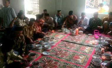Warga Desa Lambur Gelar Tradisi Makan Sulung Padi