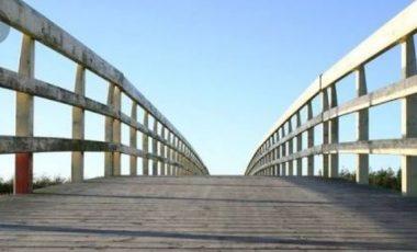 Warga Desa Danau Tampang Kecamatan Sungai Rotan Dambakan Jembatan