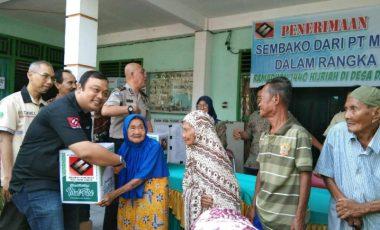 PT MME Bagikan 250 Paket Sembako Kepada Warga Desa Darmo