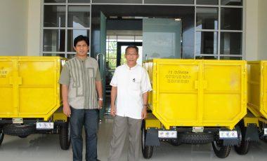 Disperindag Bagikan 4 Unit Motor Sampah