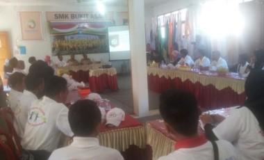 Siswa dari Maluku Utara Kunjungi SMK BA