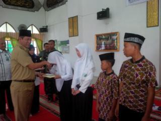 Baznas Muara Enim Launching 1000 Al-Qur'an Untuk Masyarakat