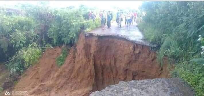 Jalan Utama Menuju Dua Desa di Semende Putus Total